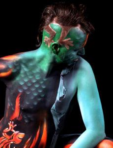 Chono | Bodypainting | Feuer Eidechse | Fire Lizard | Transformation | Weg des Blinden Mannes | Wild Life Tantra
