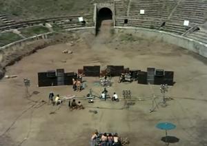 Pink_Floyd_live_at_Pompeii-wild-life-tantra-meditation-identifikation-buehne